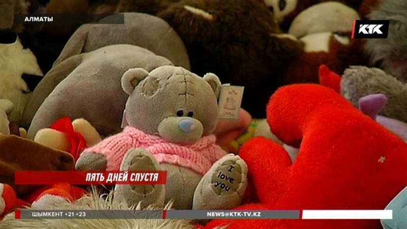 В Генконсульстве РФ в Алматы рассказали, куда денут сотни плюшевых игрушек