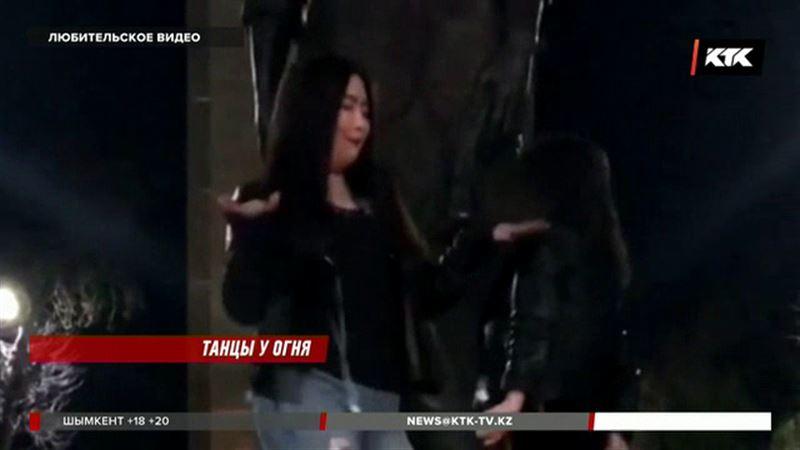 Наказали девушек, танцевавших на мемориале памяти