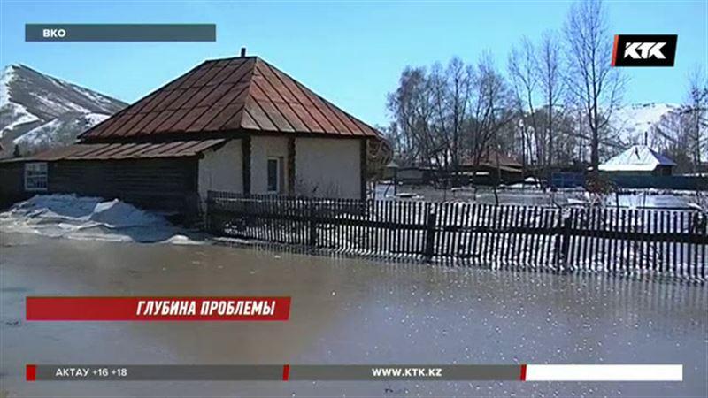 В Восточном Казахстане десятки домов вмёрзли в лёд