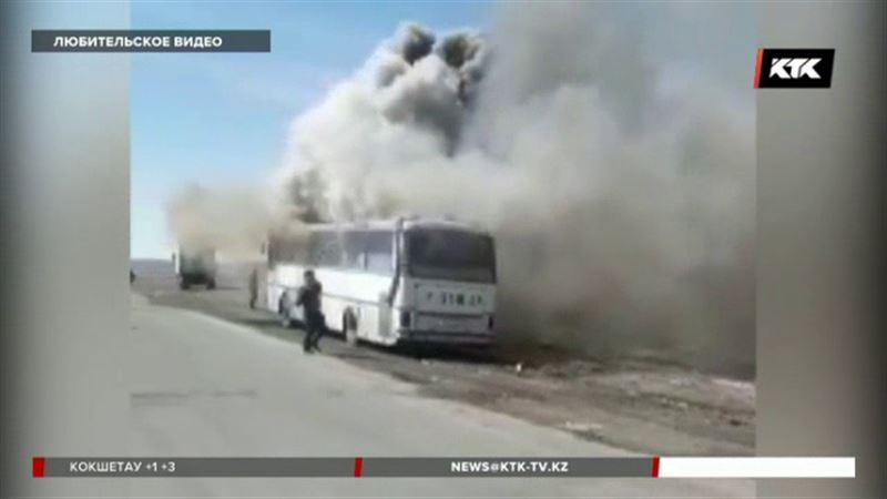 В Восточном Казахстане сгорел пассажирский автобус