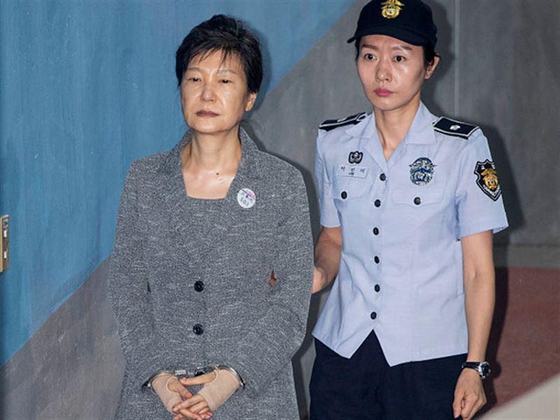Экс-президент Южной Кореи признана виновной в коррупции