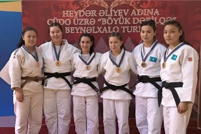 Дзюдодан аруларарымыз Бакуде 7 медаль жеңіп алды