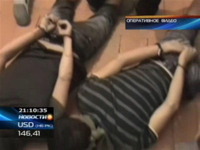 Полицейские ЮКО задержали преступников прямо в момент ограбления кассы