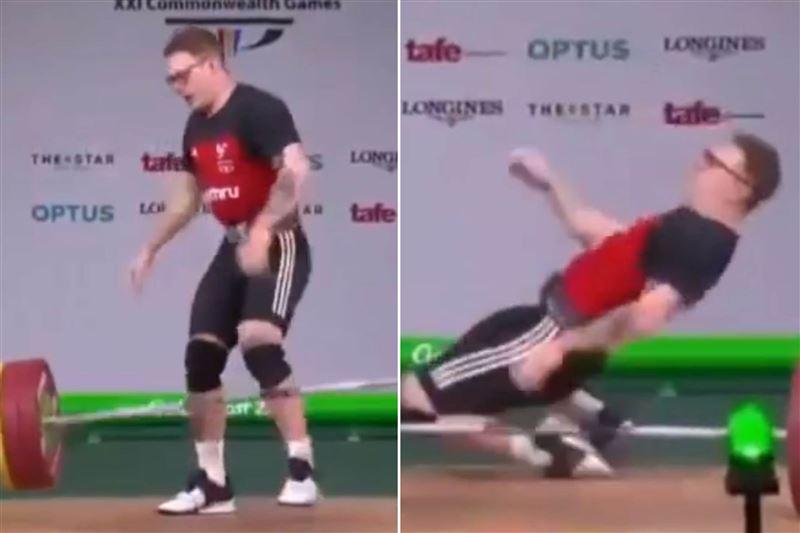 Тяжелоатлет потерял сознание, поднимая штангу