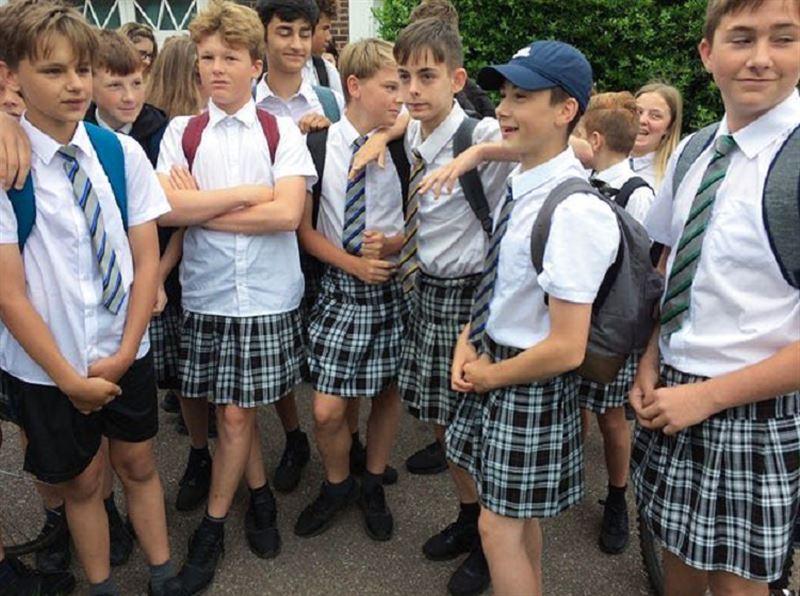В элитной школе Британии мальчикам разрешили надевать юбки