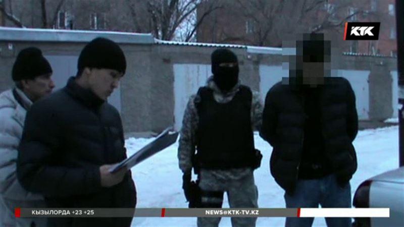 Квартет сутенеров задержали карагандинские полицейские