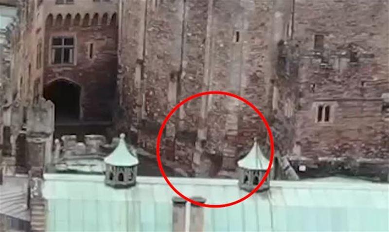 В старинном замке Англии дрон заснял всадника-призрака