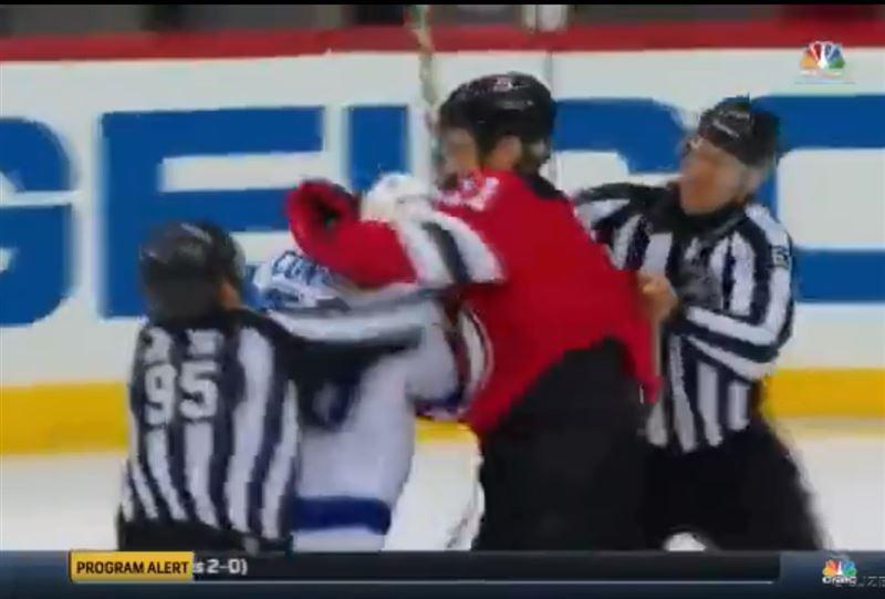Хоккеисты спровоцировали массовую драку на матче НХЛ