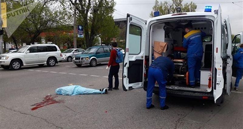 ФОТО: Алматыда автобус бойжеткенді қағып өлтірді