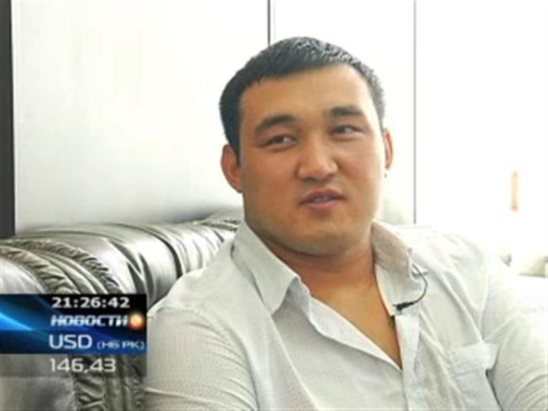 Казахстанский барс намерен купить себе дорогой автомобиль
