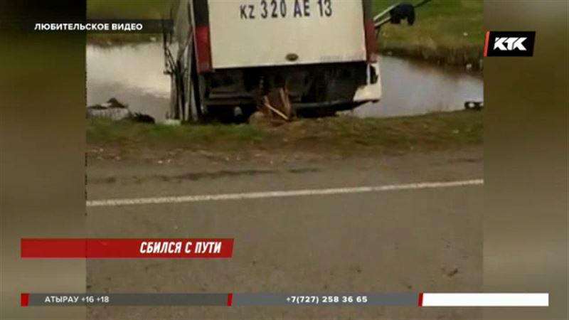 Авария с участием автобуса в Алматинской области