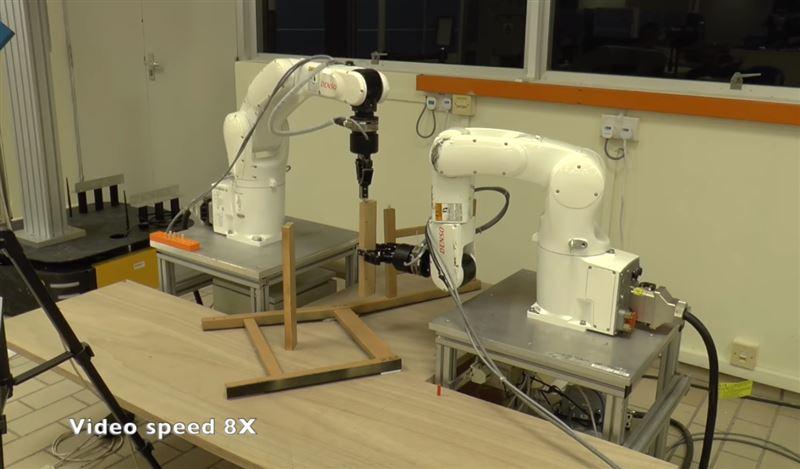 Ученые разработали роботов, которые умеют собирать мебель