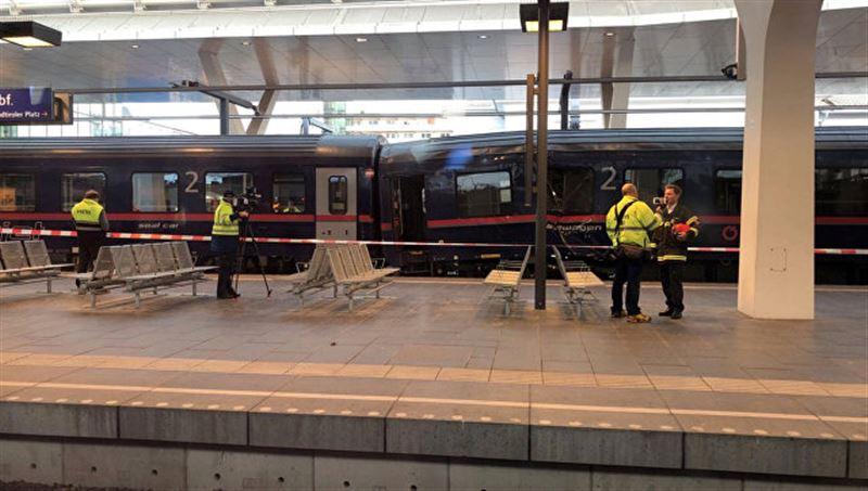 На вокзале в Австрии столкнулись два поезда: пострадали более 50 человек