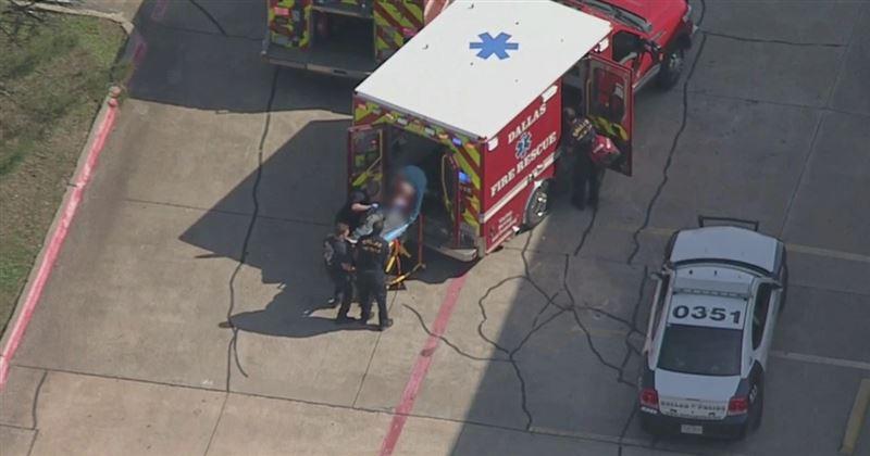 Неизвестный открыл стрельбу в Далласе: тяжело ранены два полицейских