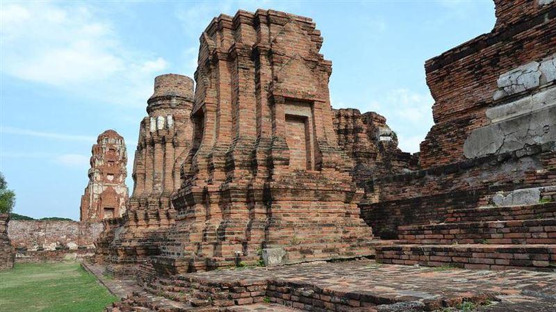 В Таиланде вор вернул кирпич, украденный из стены храма