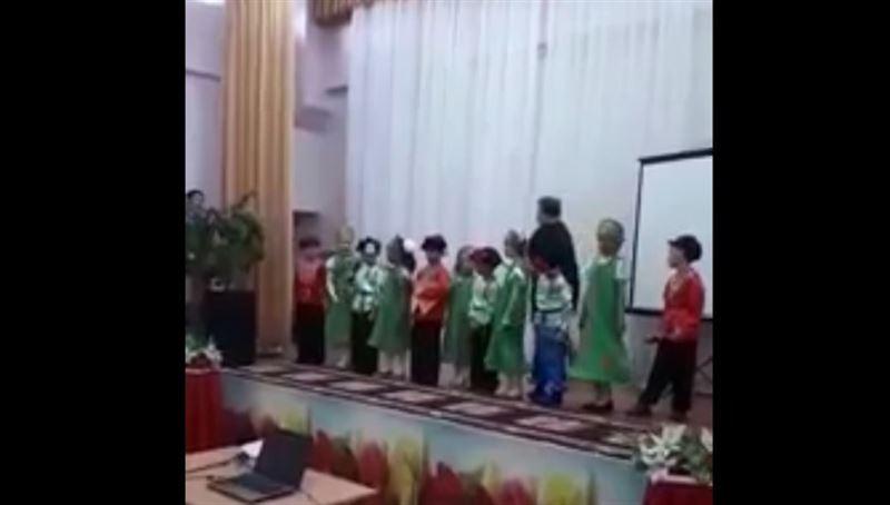 В Уральске учительница умерла прямо на сцене во время концерта