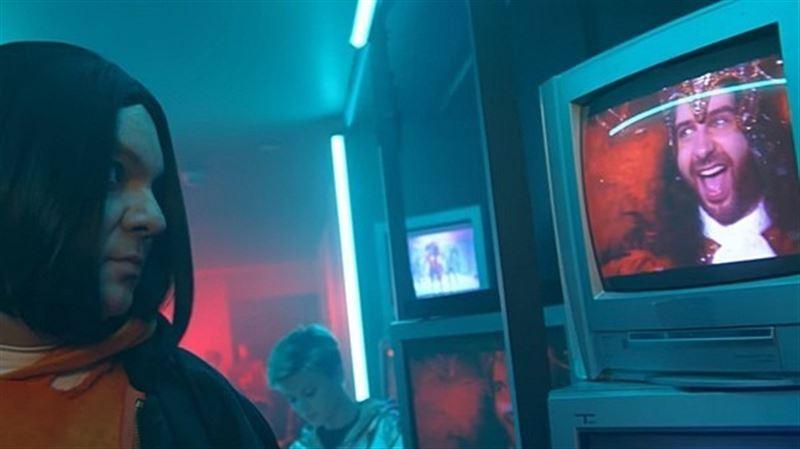 Филипп Киркоров снял скандальный клип на новую песню «Цвет натроения синий»