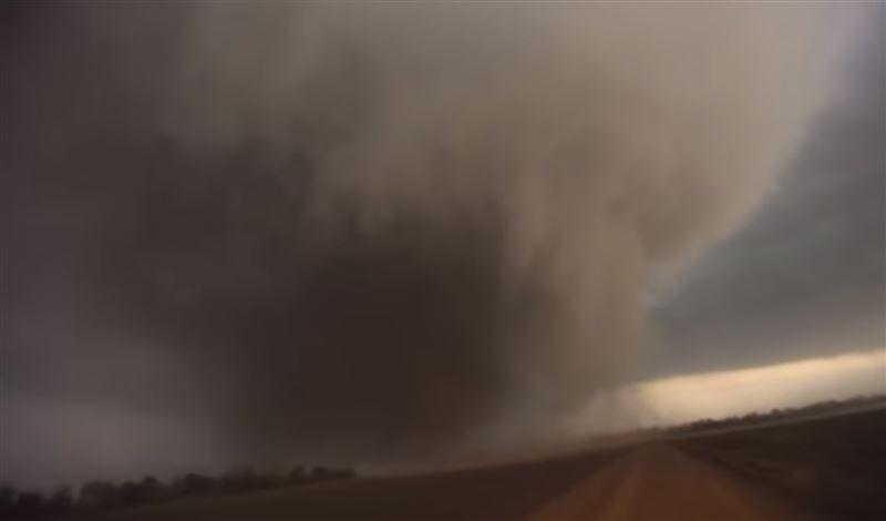 Американцев напугала серия мощнейших торнадо