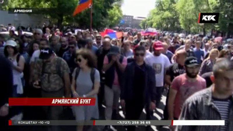 Казахстанцы застряли в ереванском аэропорту из-за транспортной блокады