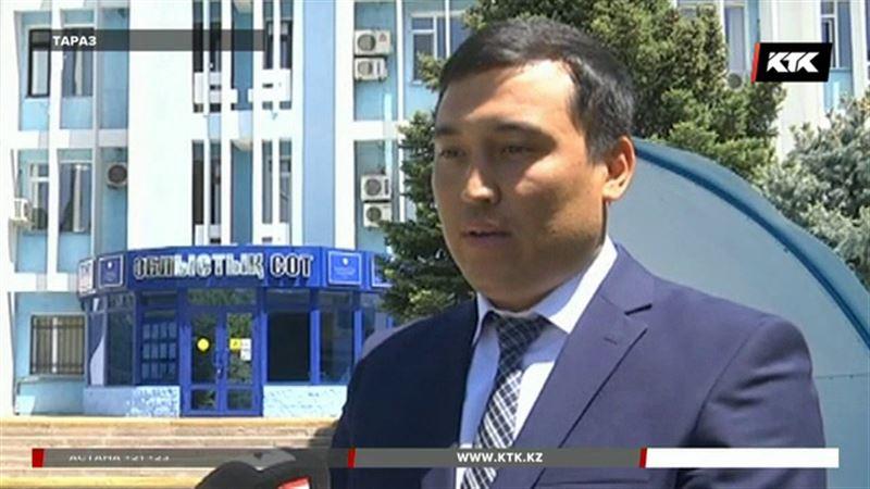 В городском суде Тараза с поличным задержали судью