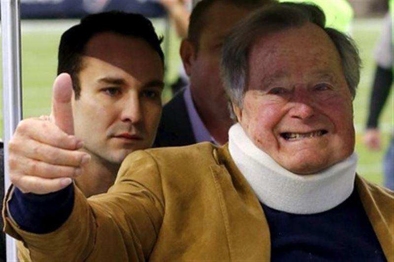 Джордж Буш-старший выписан из больницы