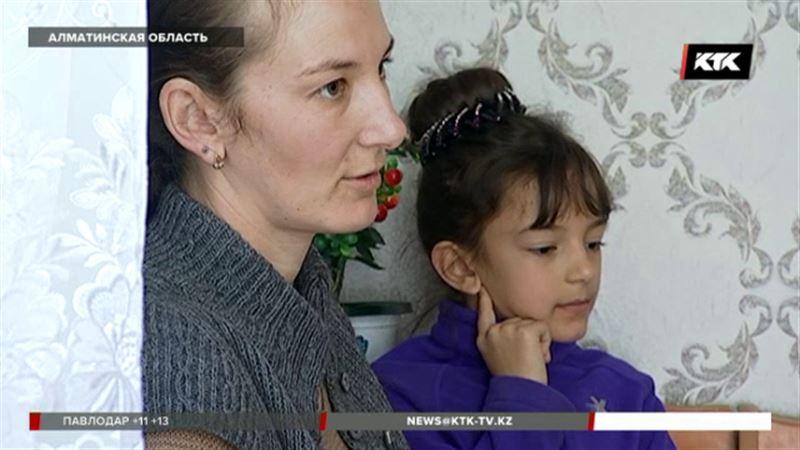 Алматинка с детьми вернулась из иорданского заточения