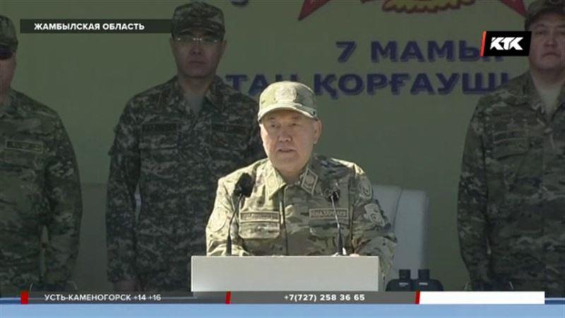 Боевой парад ко Дню защитника Отечества открыл Верховный главнокомандующий