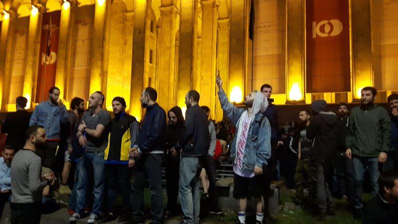 СМИ: После обысков в ночных клубах Тбилиси начались беспорядки