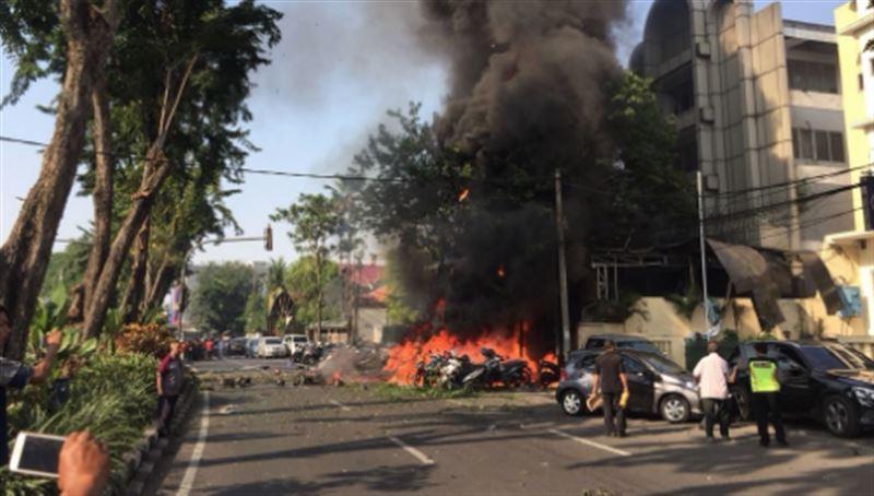 ВИДЕО: В Индонезии прогремели взрывы сразу в трех церквях, есть жертвы