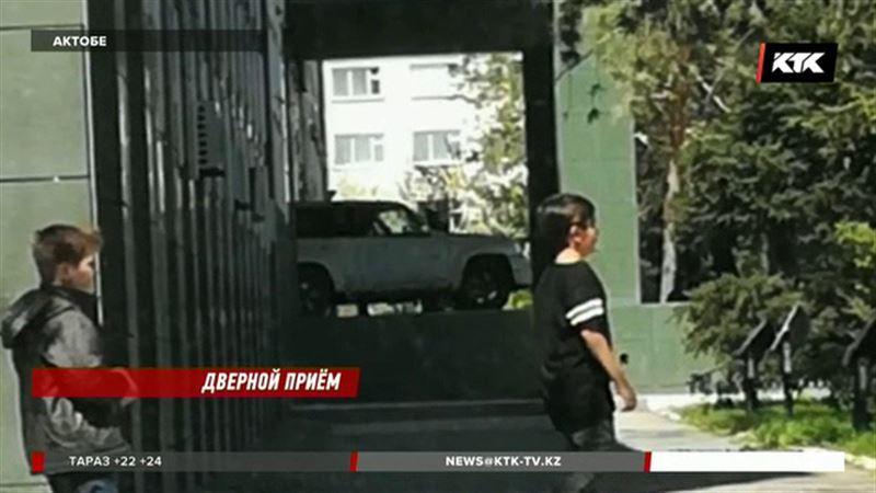 Актюбинец,  протаранивший на внедорожнике акимат, арестован
