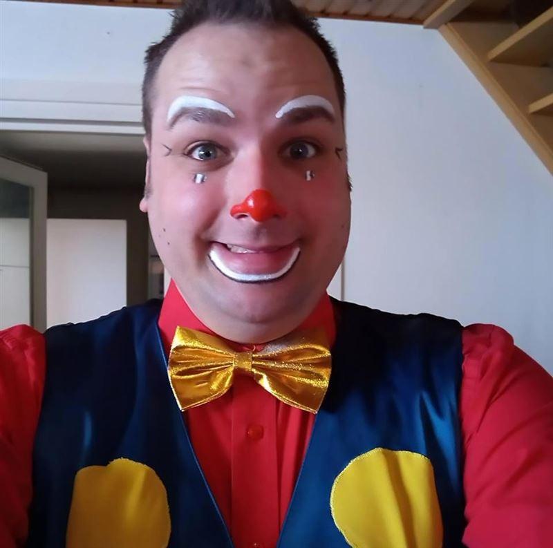 Клоун убил возлюбленную на глазах ее связанных детей
