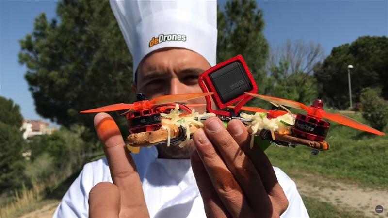 ВИДЕО: Блогер испек съедобный беспилотник из пиццы