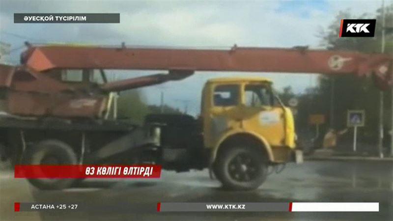 Павлодарда автокран өз жүргізушісін басып қалды