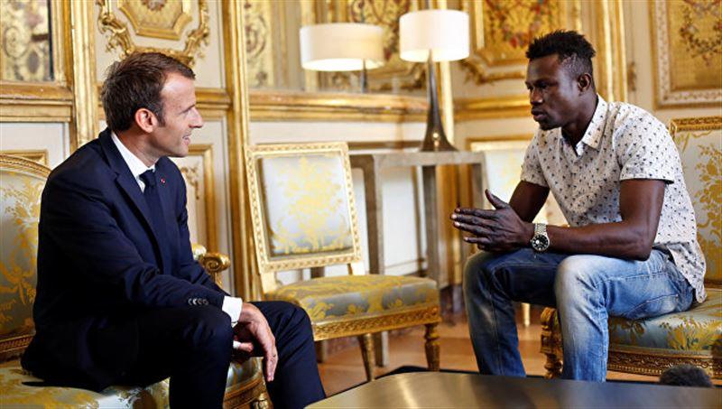 Спасший ребенка малиец получит французское гражданство и работу спасателя