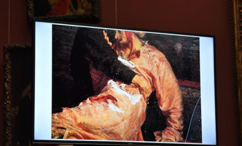 Вандалу, напавшему на картину Репина, грозит шесть лет тюрьмы
