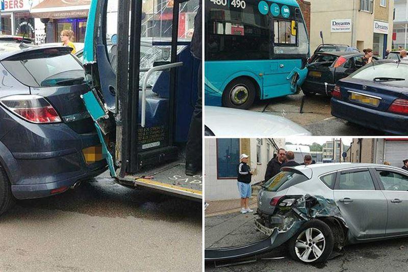 В Британии 14 человек пострадали в результате столкновения 25 машин
