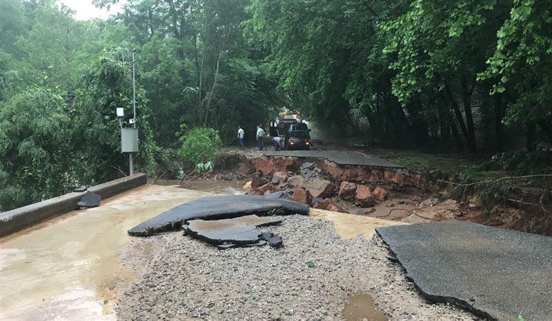 После сошедшего оползня рядом с дамбой, в Северной Каролине объявлена эвакуация