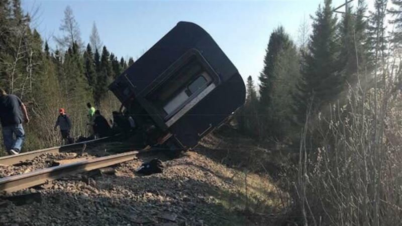 Пассажирский поезд сошел с рельсов в Канаде, есть пострадавшие