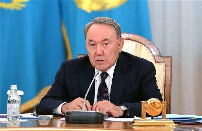 Парламент Казахстана закрепил за Назарбаевым право пожизненно возглавлять Совет безопасности