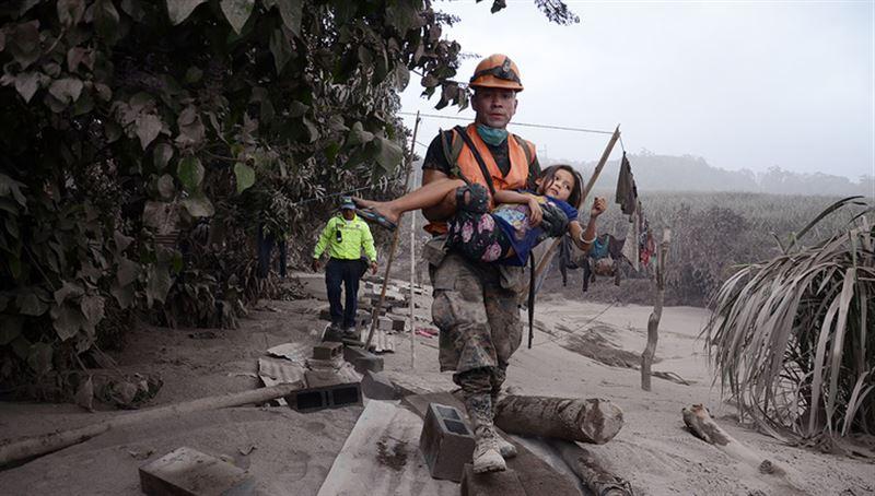 Число жертв извержения вулкана в Гватемале достигло 65