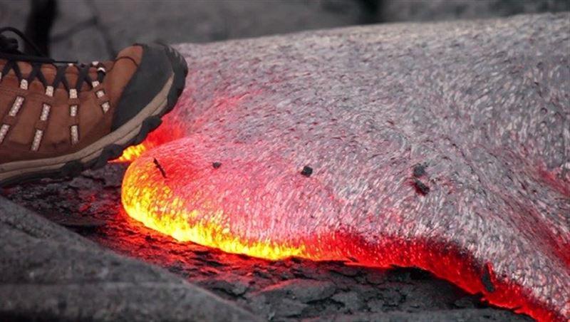 Ученые выяснили, что произойдет с человеком, упавшим в лаву