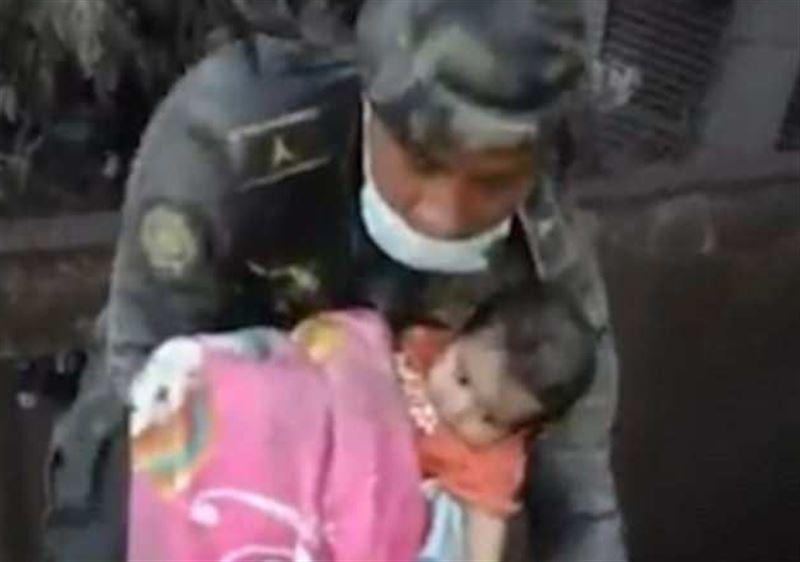 Спустя трое суток из пепла вулкана вытащили живого ребенка