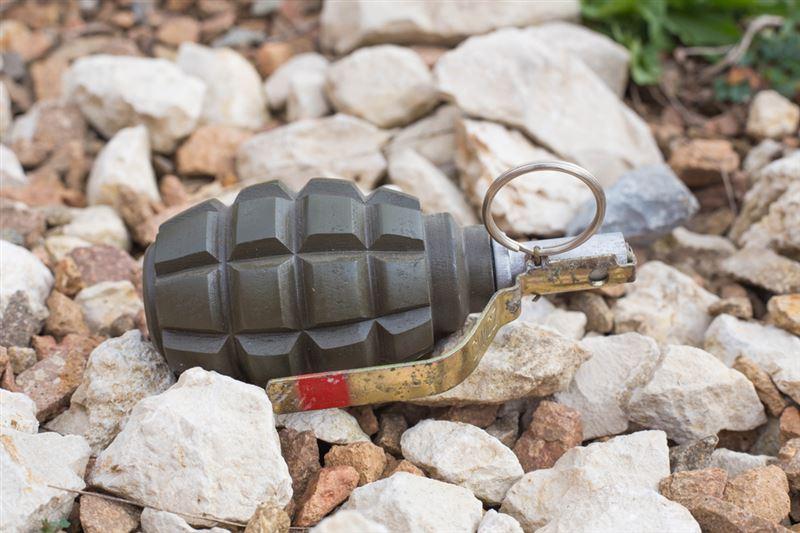 ВИДЕО: Оралда көше бойынан граната табылды