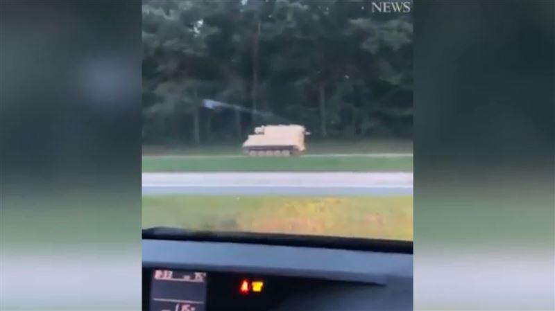 Полиция устроила погоню за солдатом, угнавшим БТР