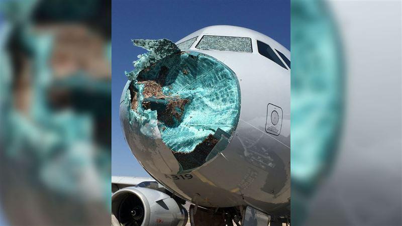 Шторм с градом повредили носовую часть самолета, летевшего в Аризону