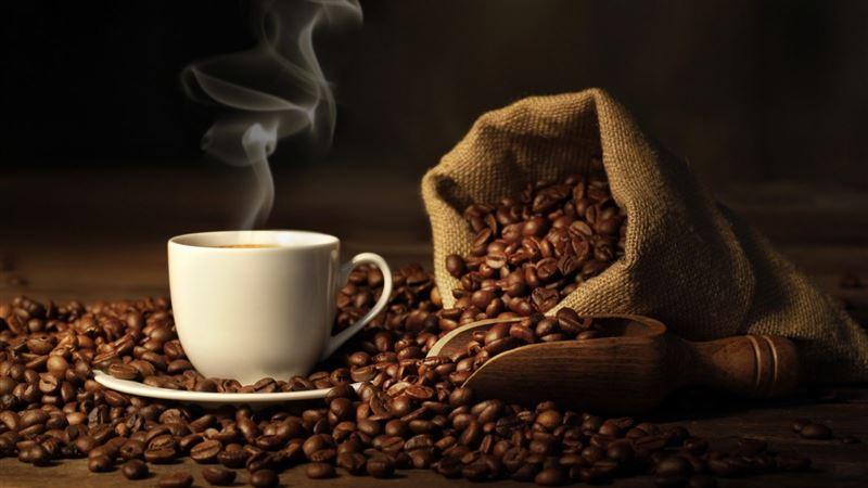 Ученые: Кофе повышает внимание и работоспособность людей в коллективе