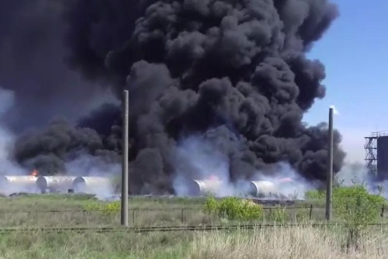 ВИДЕО: Қарағанды облысында мұнай базасынан өрт шықты