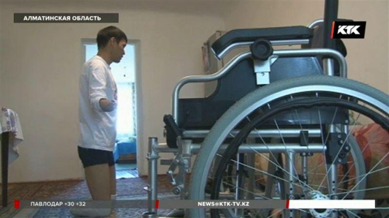 Инвалид требует от чиновников квартиру, сжигая коляски