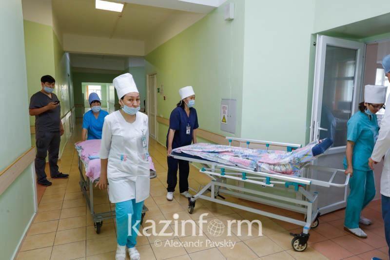 ВИДЕО: Астанада төбелестен зардап шеккен азамат жансақтау бөлімінде