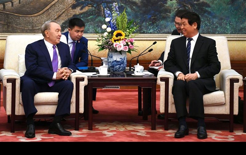 Нурсултан Назарбаев встретился с председателем ВСНП КНР Ли Чжаньшу